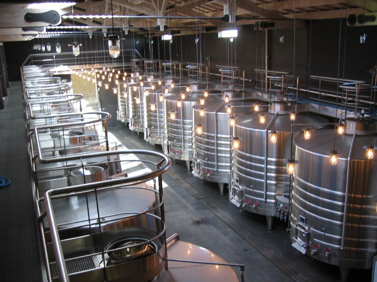 Using Dehydrated Grape Marc Waste To Improve Wine Quality