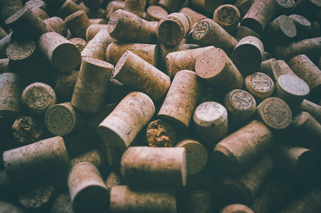 Analyzing Defects And Oxygen Ingress Rates Of Natural Cork